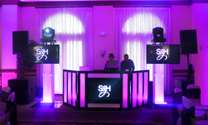 DJ facade with screen illuminated and Video Jockey Services